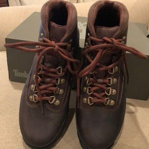 NWT Women Timberland hiker boots sizes 8 & 9